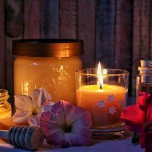 Kerzen und Wachse