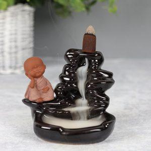 Buddha am Wasserfall